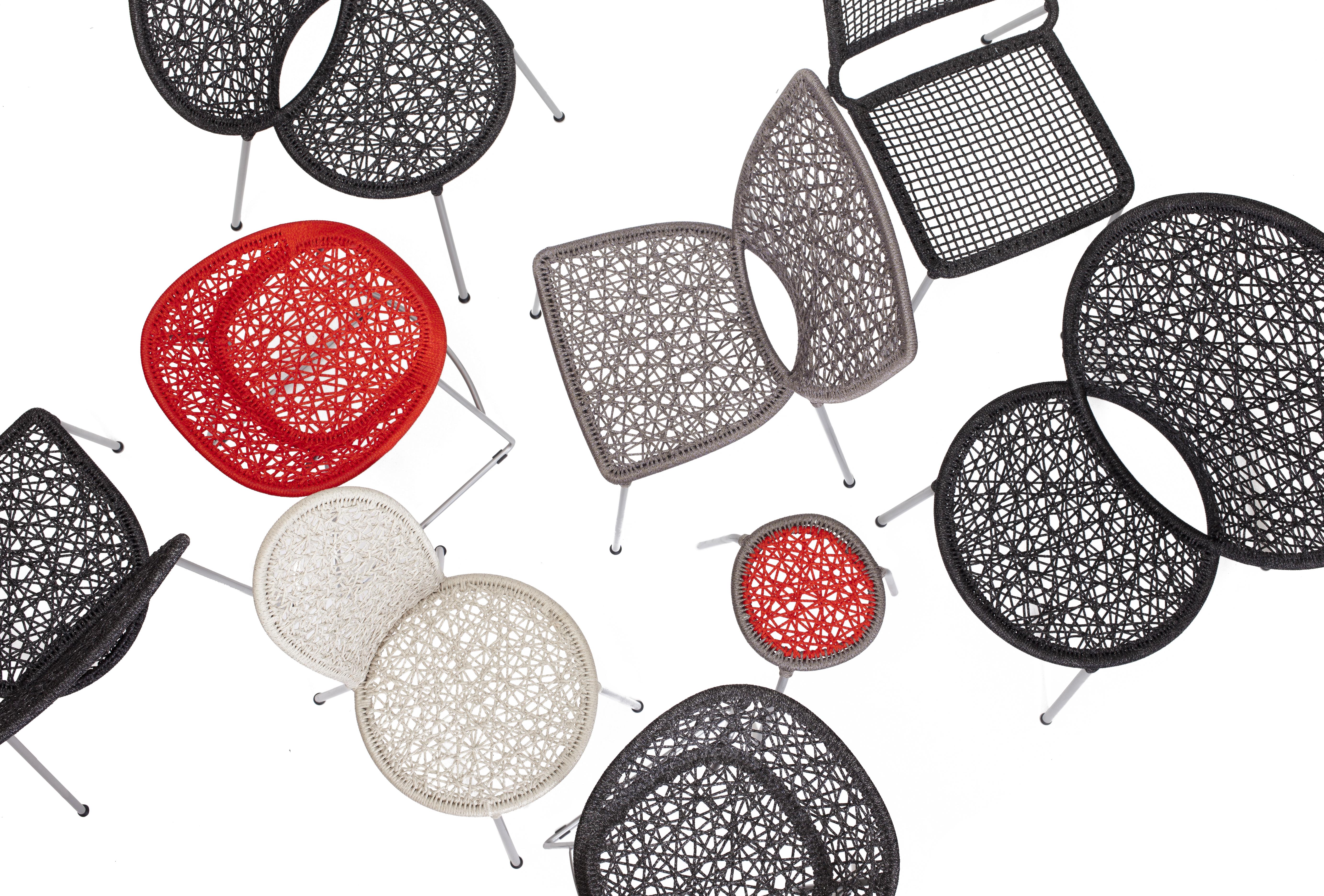 Sedie di plastica, tra comodità e design