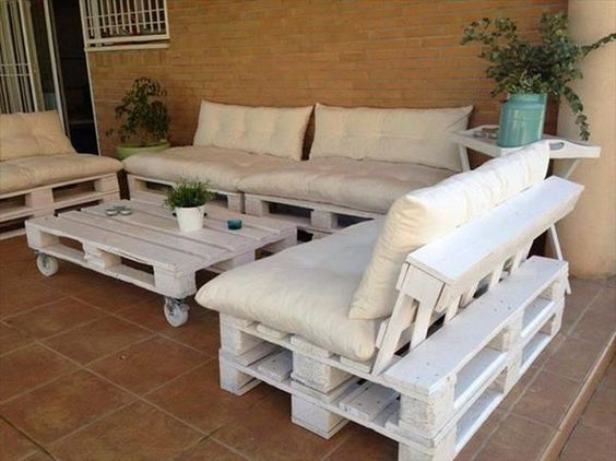 Cuscini per i divani in pallet come fare - Cuscini per divani design ...